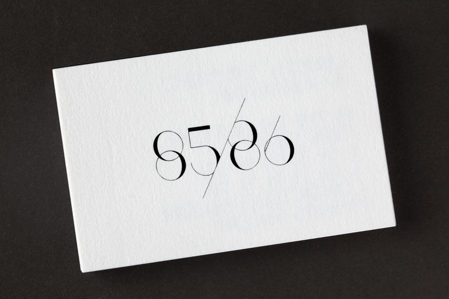 85/86